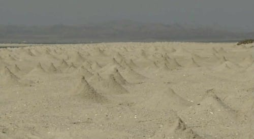 たくさんの砂山
