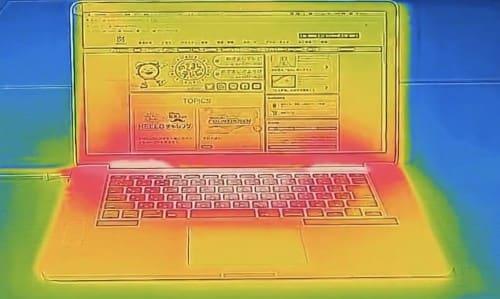 ノートパソコンのサーモカメラ映像
